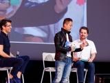Junichi Masuda présente des peluches des nouveaux starters